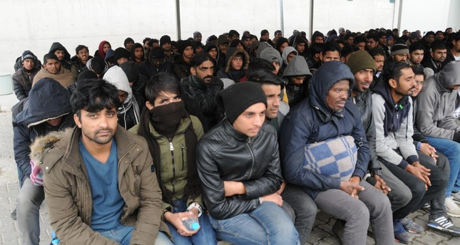 400 migrants to be redistributed from Greece to France