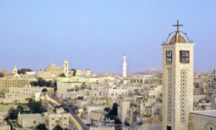 """""""Silent Night"""": Persecuted Palestinian Christians Kept Out of Sight"""
