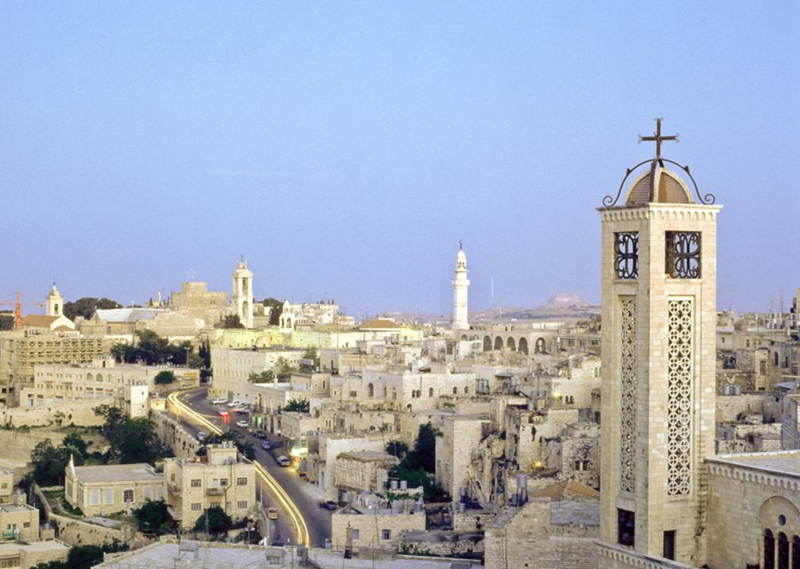 """Silent Night"": Persecuted Palestinian Christians Kept Out of Sight"