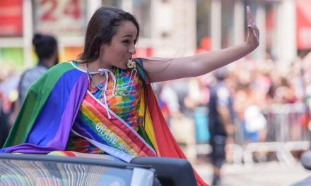 Transgender Surgery Scars Are 'Beautiful,' Jazz Jennings' Mom Says