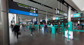 Coronavirus: Anger as NO flights are cancelled coming into Ireland and NO hotline set up by HSE