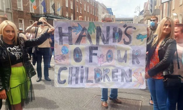 """Never stop speaking out"" Connors tells rally opposing sexualisation of children"