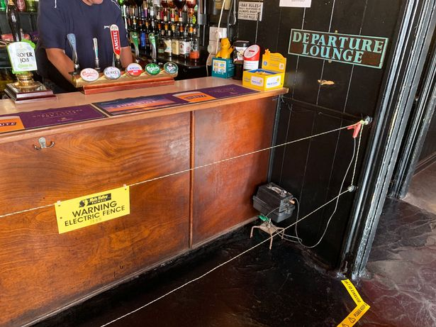 Cornwall pub installs electric fence at the bar
