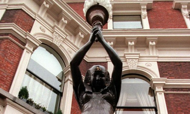 Shelbourne Hotel statues to be restored to their plinths