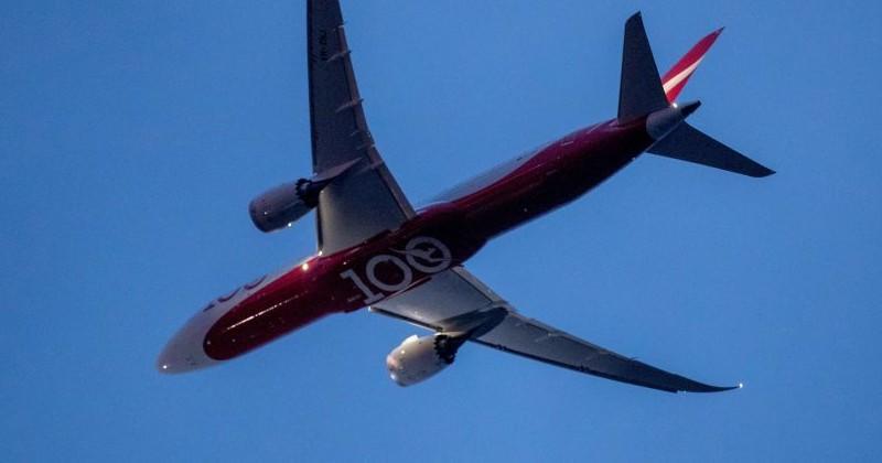 "UK Travel Agency Boycotts Qantas Over ""No Vaccine, No Flight"" Policy"