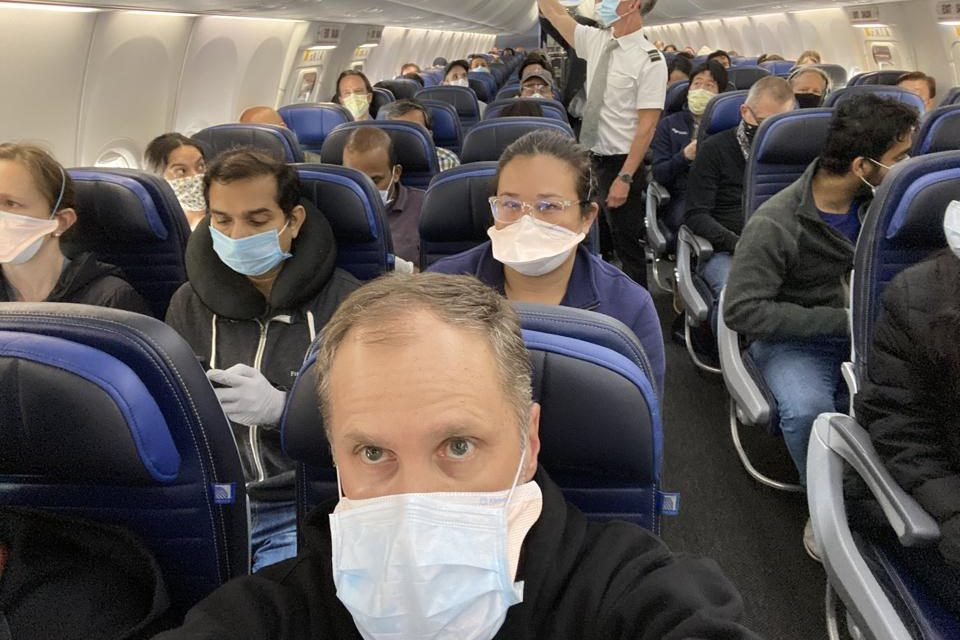 United Airlines preparing to segregate passengers who do not submit to rapid covid-19 testing