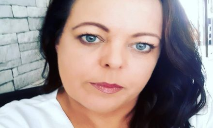 Fighting back! Balbriggan beautician receives massive support for reopening her business and using Irish Constitution to defend her Rights