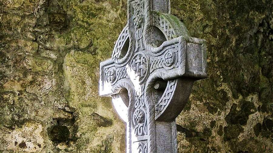 IRISH BISHOPS CRITICISE GOVERNMENT'S EASTER AND FUNERAL ARRANGEMENTS