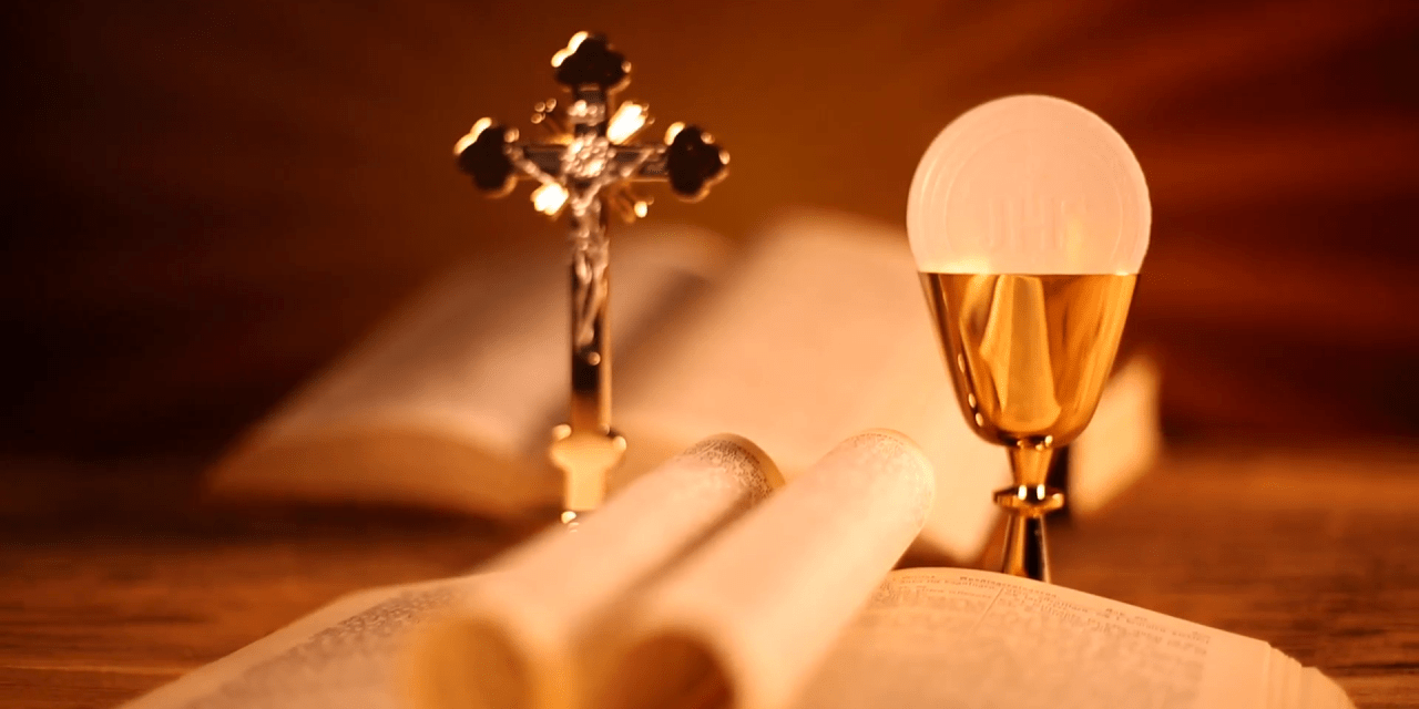 Law lecturer says it is not illegal for Catholics to receive Communion during lockdown
